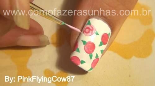 unhas decoradas com rosas passo 5.2