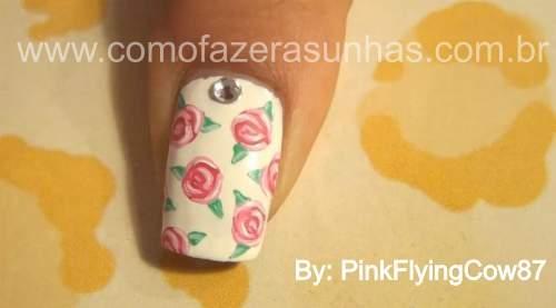 unhas decoradas com rosas passo 7