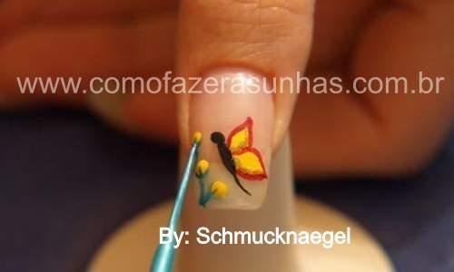 unhas decoradas com borboletas passo 7.6
