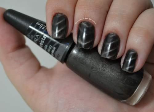 Como usar esmaltes magnéticos
