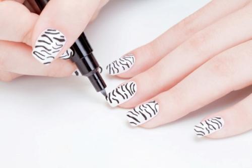 Unhas decoradas com canetas nail art - imagem 12 - OK