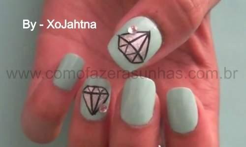 Unhas decoradas com desenho de diamantes - passo a passo - 25