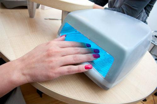 Cinco passos para manter as unhas bonitas por mais tempo - esmalte em gel