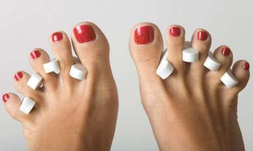 Como fazer os pés em casa - sepadador de dedos