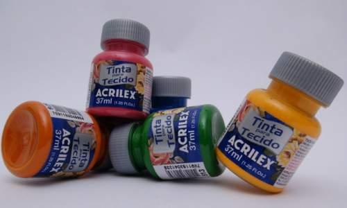 Decorar as unhas com esmalte ou tinta de tecido? - tinta para tecido