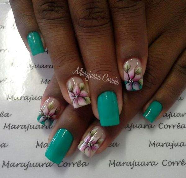 Fotos de unhas decoradas com flores - 04